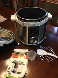 black and gray Wolfgang slow cooker