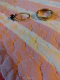 Small gold ring on right side and other costumes 2292 mi
