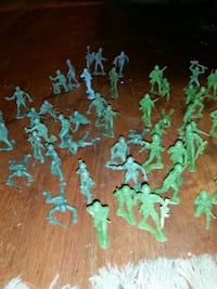 120 army men from the 1980s Charleston, 29414