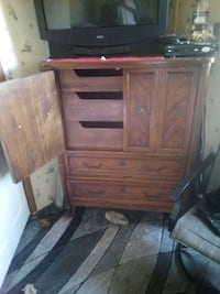 Chesterdrawer with doors