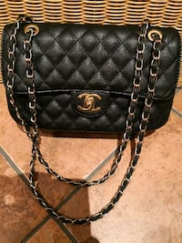 Borsa a tracolla Chanel in pelle nera Copiano, 27010