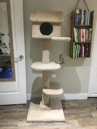 Cat Tower / Home