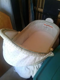 white bassinet Albuquerque, 87105