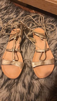 Gold Strappy sandals Edinburg, 78542