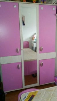 pink and white wooden with mirror ...bedrooms set Toronto, M9W 7E6