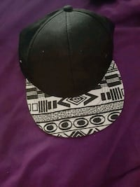 black and white fitted cap Winnipeg, R2K 3H2
