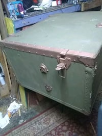 brown and green wooden chest 1194 mi