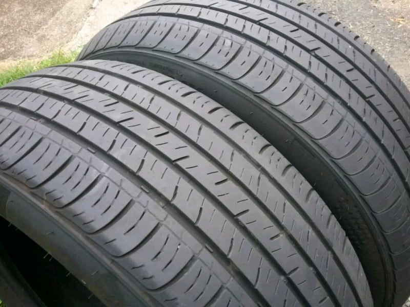 Pair of tires ..... 215 55 17 0