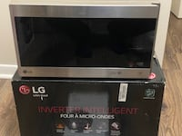 LG Microwave, LMC0975ST - Stainless Steel, 0.9 Cu. Ft, brand new in open box Toronto