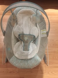 Musical chair for baby girl oh boy like new $80 pick up Woodbridge Ontario  Vaughan, L4L 1S2