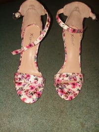 pair of pink floral open-toe heeled sandals Conway, 29526