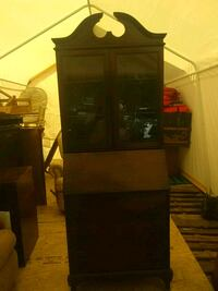 Antique hutch/ desk with 3drawers Jacksonville, 28540
