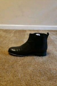 unpaired black leather dress shoe Oxon Hill, 20745