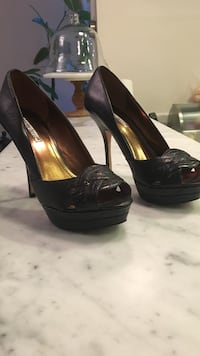 pair of black leather peep-toe platform pumps San Francisco, 94123