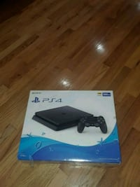 Sony PS4 console with controller box Walhalla, 29691