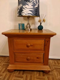 Nice solid wood big night stand in good condition, Annandale, 22003