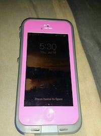 Gold  iPhone 5S 16gb with lifeproof case Oakville, L6J 3H5