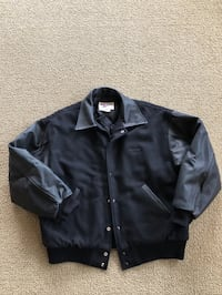 Black Bomber jacket...never worn...warm...men's large... Fort Atkinson