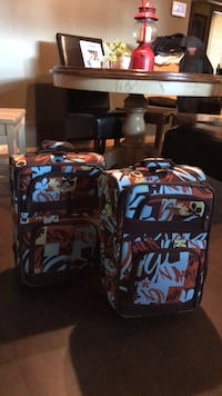 2 small suitcases, lightly used  Langley, V3A 2T3