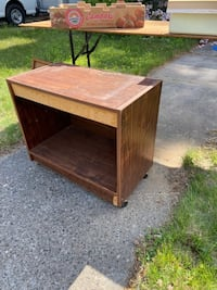 Free TV stand! Curb alert!