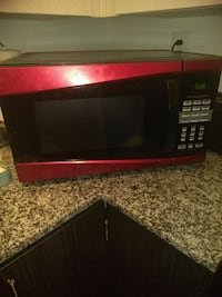 black and red microwave oven Colorado Springs, 80910