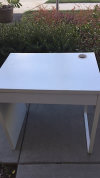White and brown wooden table 6 mi