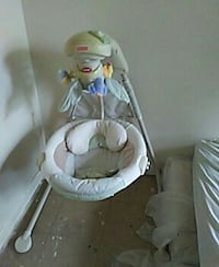 white and green Fisher Price cradle n swing New Haven, 06515