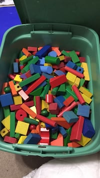 assorted-color wood interlocking toy piece lot Pittsburg, 66762
