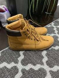 Timberland Boots size 7.5  Toronto, M6S 5A2