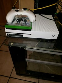 white Xbox One console with controller and game case Miami, 33127