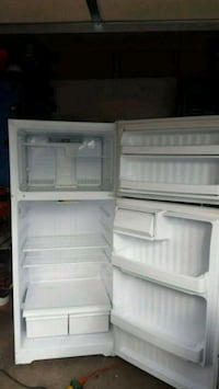 white top-mount refrigerator Fresno, 93703
