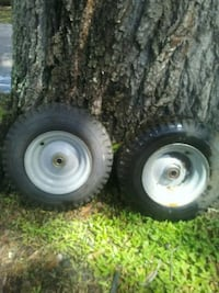 two gray auto wheel with tires Tampa, 33618