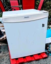 Danby mini fridge with freezer Toronto, M4C 2X4