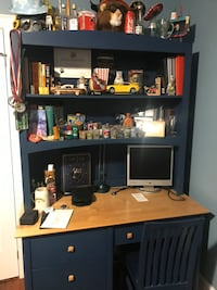 Desk and hutch Aurora, L4G 6M1