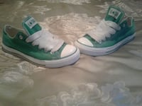 pair of green-and-white high top sneakers Santa Maria, 93458