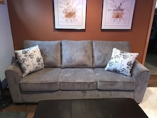 Sleeper sofa queen size in Portland letgo