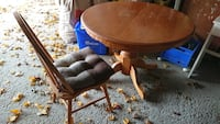 Round maple table and 4 chairs  Markham, L3P 3G8