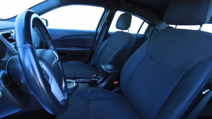 2014 Chrysler 200 Touring / ACCIDENT FREE / HEATED SEATS / REMOTE ST 0aca6e6d-34e1-4631-9469-a580890ff359