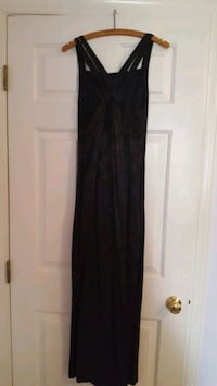 Black gown size 10