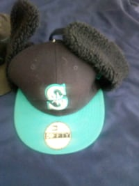 black and green fitted cap Oakville, L6M 4W4