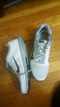 pair of white Nike running shoes Alexandria, 22310