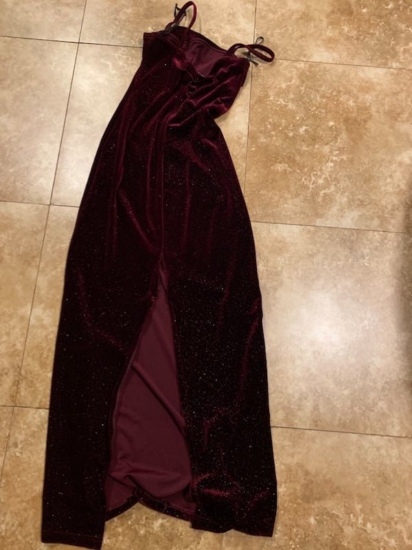 Burgundy Gown with Slit in Back (fits 2-4) d15a7c98-c14f-49c5-90a8-bea2aa5900c7