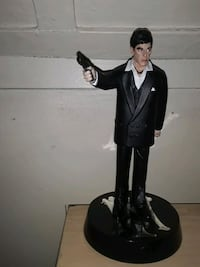 Scarface figurines (Tony Montana)