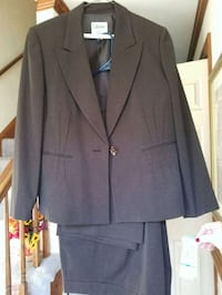 Functions of a new 16 petite pantsuit Chesapeake, 23322