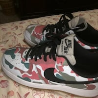 pair of white-and-black Nike sneakers Orlando, 32818
