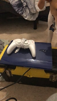brand new ps3 with white controller that works perfectly fine Severn, 21144