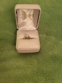 Stunning engagement ring 0.92ct.  Appraisal for $4675 Guelph, N1H 3L1