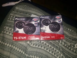 "2 Pairs of Brand New 5-1/4"" Pioneer Speakers"