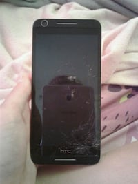 HTC 8 cracked screen