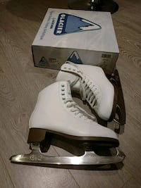 Size 5 Girl Skates Richmond Hill, L4S 1X1